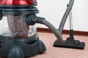 Steam Cleaning vs Routine Vacuuming